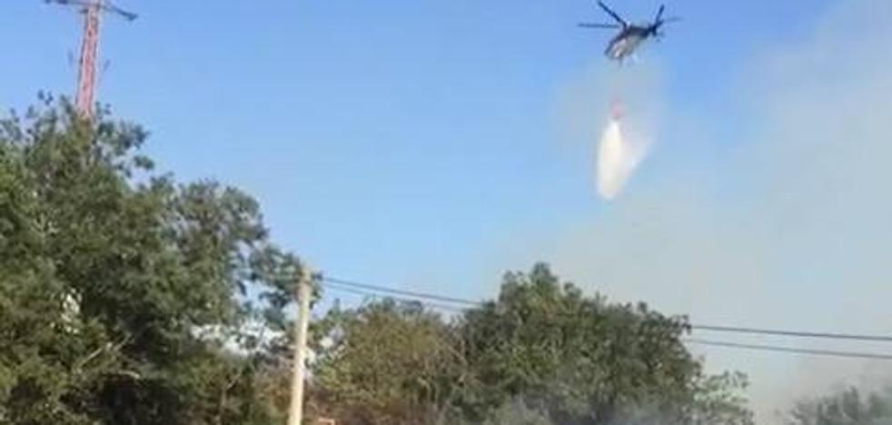 Efectivos de Castilla y León sofocan un incendio en Valderredible