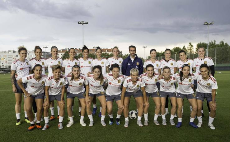 Entrenamiento de la Selección Femenina de Fútbol en Santander