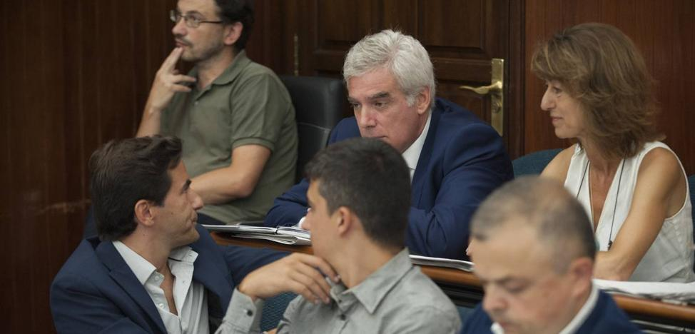 Quirós afirma que no se consultarán mejoras en el viejo TUS con los vecinos antes de noviembre