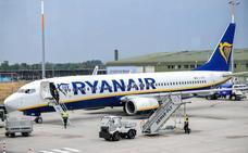 Bélgica avisa a Ryanair de que no puede subir un billete ya comprado con la tasa a la maleta