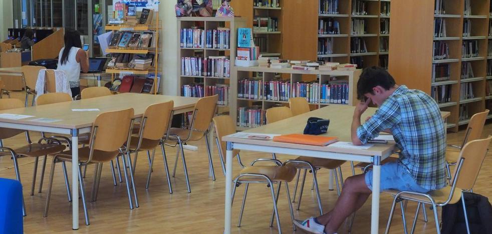 La biblioteca de Suances amplía su horario para ayudar a los estudiantes