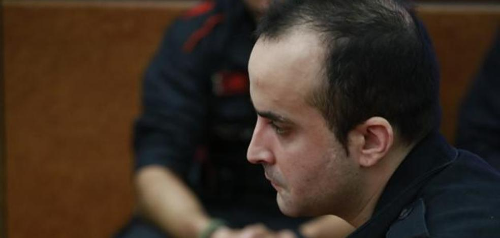 El acusado de arrojar a una bebé por el balcón: «Las he matado a las dos, a la madre y a la niña»
