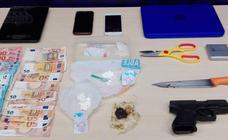 Detenida una pareja por vender cocaína en Corbán