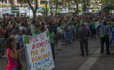 Las aulas a medias y el amplio seguimiento de la huelga marcan el inicio del curso escolar