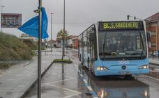 Vecinos de Ernest Lluch piden una nueva línea de autobuses y paradas en su calle