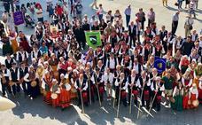 Campoo traslada a Santander su folclore y tradiciones