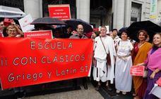 Una manifestación reclama al Gobierno que garantice las lenguas clásicas