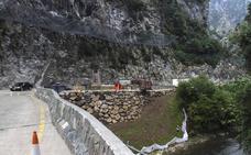 Liébana se queja de que aún no se ha acabado ningún puente del desfiladero