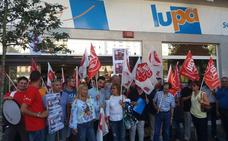 UGT seguirá con las movilizaciones contra las cajas de autocobro de Lupa
