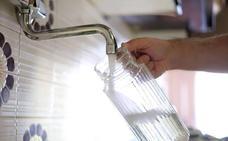 Una reparación dejará sin agua a parte de Sámano este martes