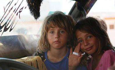 Los bombardeos sobre Iblid, en Siria, provocan la huida de 30.000 personas