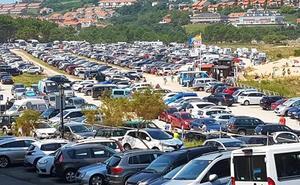 Merón aumenta sus aparcamientos y con ellos el número de bañistas