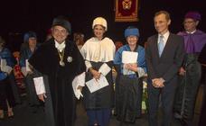 La UIMP clausura sus cursos con el Honoris Causa a Arteta y Teresa Rodrigo