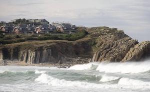 El tribunal ordena a Piélagos que inicie el proceso para derribar las viviendas de Cerrias