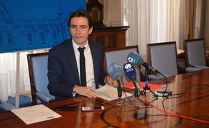 Casares denuncia ante la FEMP el «funcionamiento irregular» del Ayuntamiento de Santander