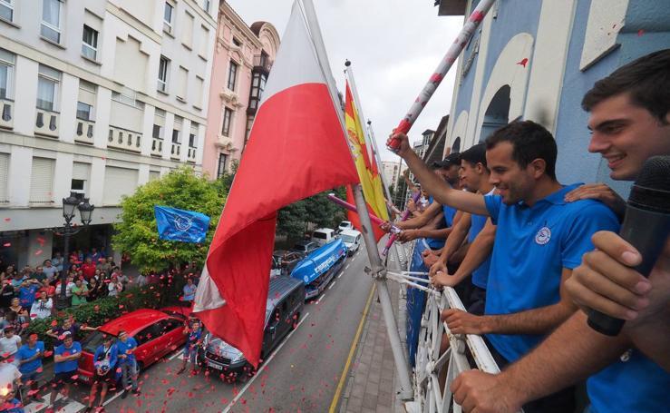 Astillero recibe a los remeros de la San José tras su ascenso a la ACT