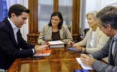 PSOE Santander pide bajar y congelar los impuestos y PP le responde que trabaja en ello