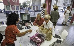 Los jubilados de Cantabria arrasan con las plazas del Imserso para viajar a Canarias