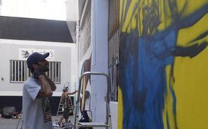 Las paredes de Castro Urdiales respiran arte