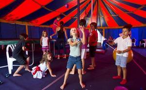 El circo se acerca a los escolares