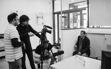 Alonso Hoyos estrena su drama social 'Trastos inútiles' en el Casyc UP