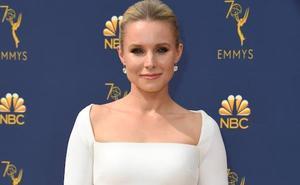 El blanco triunfa en la alfombra dorada de los Emmy