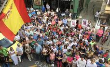 El minuto de silencio convocado esta mañana frente al Ayuntamiento de Reocín
