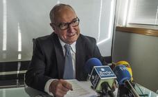 Palacio defiende su gestión y dice que Sniace y Solvay cumplen con las autorizaciones ambientales