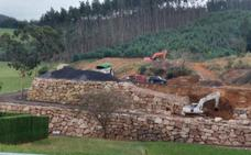 Equo critica la construcción en Miengo de una escollera «sin licencia»