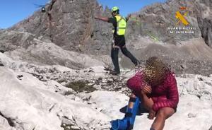 Rescatan a una senderista accidentada a 2.300 metros de altura en Picos de Europa