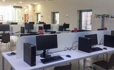 Los ordenadores de la Biblioteca Central, cinco meses fuera de servicio