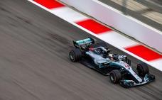 Baño de superioridad de Mercedes en Sochi