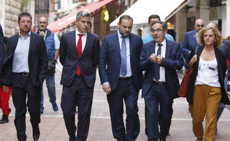 El ministro de Fomento, José Luis Abalos, visita Cantabria