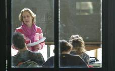 El Consejo Escolar pide al Gobierno que fije un tope nacional de horas lectivas de los profesores