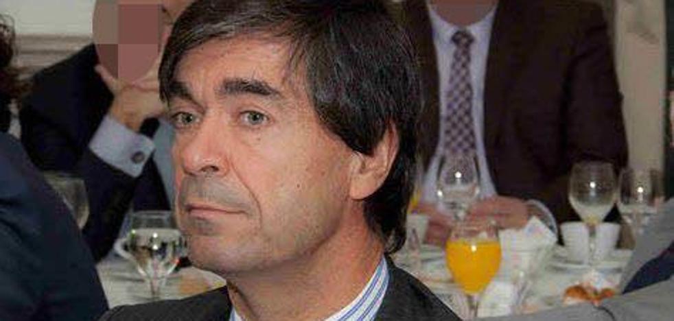 Ángel Pérez-Maura, en mitad del fuego cruzado por las escuchas de Villarejo