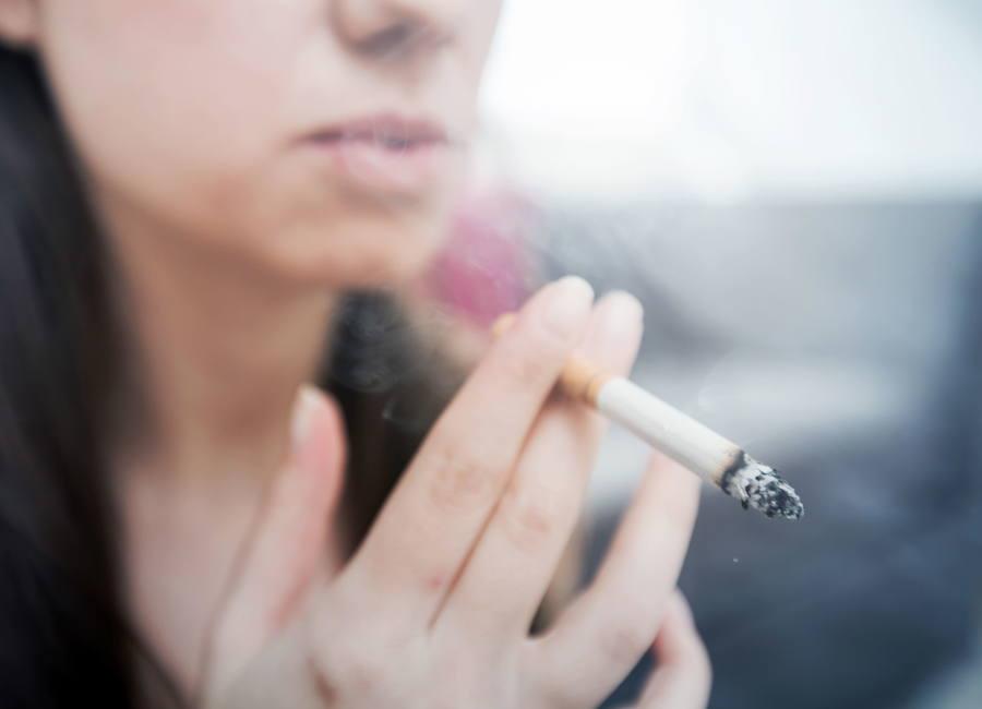 Bruselas quiere que las tabaqueras pagen 200.000 euros para limpiar las calles de colillas