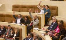 El Gobierno apura su iniciativa legislativa con la memoria histórica y el urbanismo