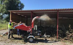 Arnuero empieza a producir compost en su planta municipal