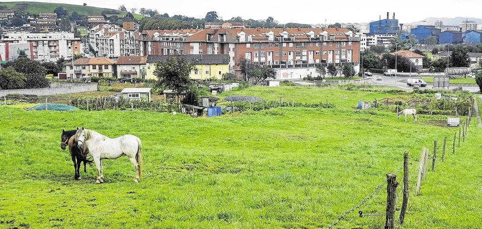 Tras meses de mal olor, los vecinos de Guarnizo se movilizan