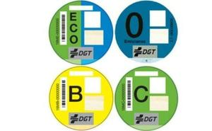 Cómo adquirir la pegatina ambiental de la DGT