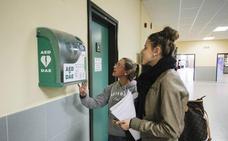 La instalación de desfibriladores en espacios públicos ya es obligatoria