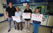 La administración 31ª de la calle Alta de Santander reparte el primer premio de la Lotería Nacional