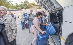 Quejas por el corte del tráfico ferroviario entre Santander y Palencia en pleno puente