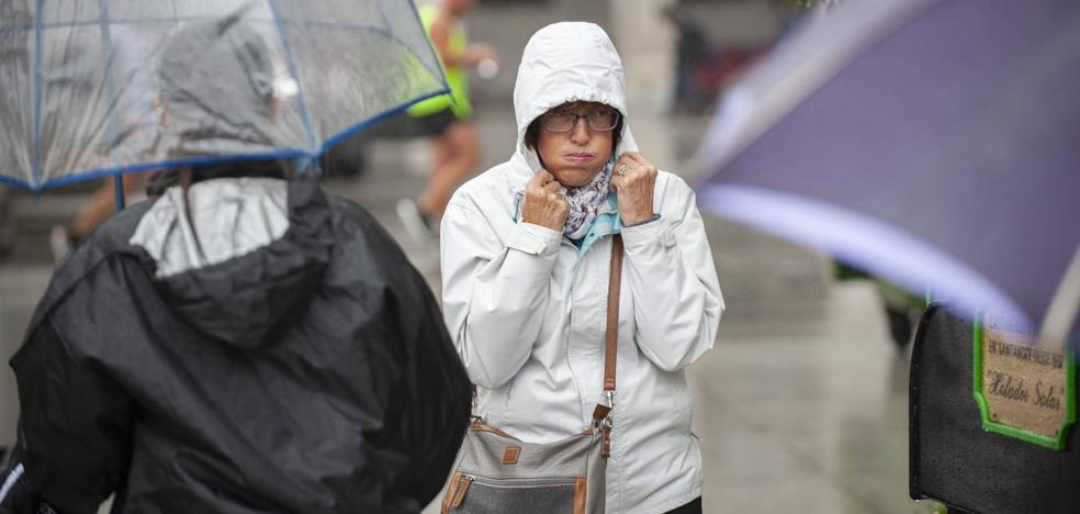 Desplome de temperaturas y lluvia en Cantabria con 'Leslie'