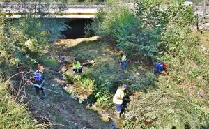 Los Corrales se afana en limpiar sus ríos para prevenir inundaciones