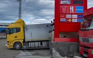 El litro de diésel en algunas gasolineras ya vale más que el de gasolina en otras