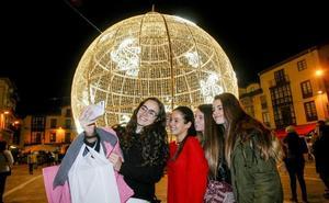 Una noria gigante en lugar de la gran bola de Navidad
