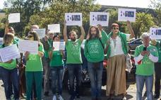 Los docentes reanudan las protestas contra el calendario escolar con una concentración