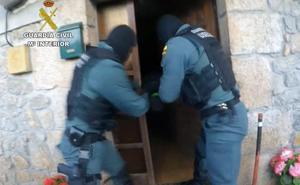 Detenidos dos vecinos de Entrambasaguas por tráfico de drogas