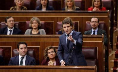 Casado reclama que Bruselas aplique el mismo baremo a Sánchez que a Rajoy